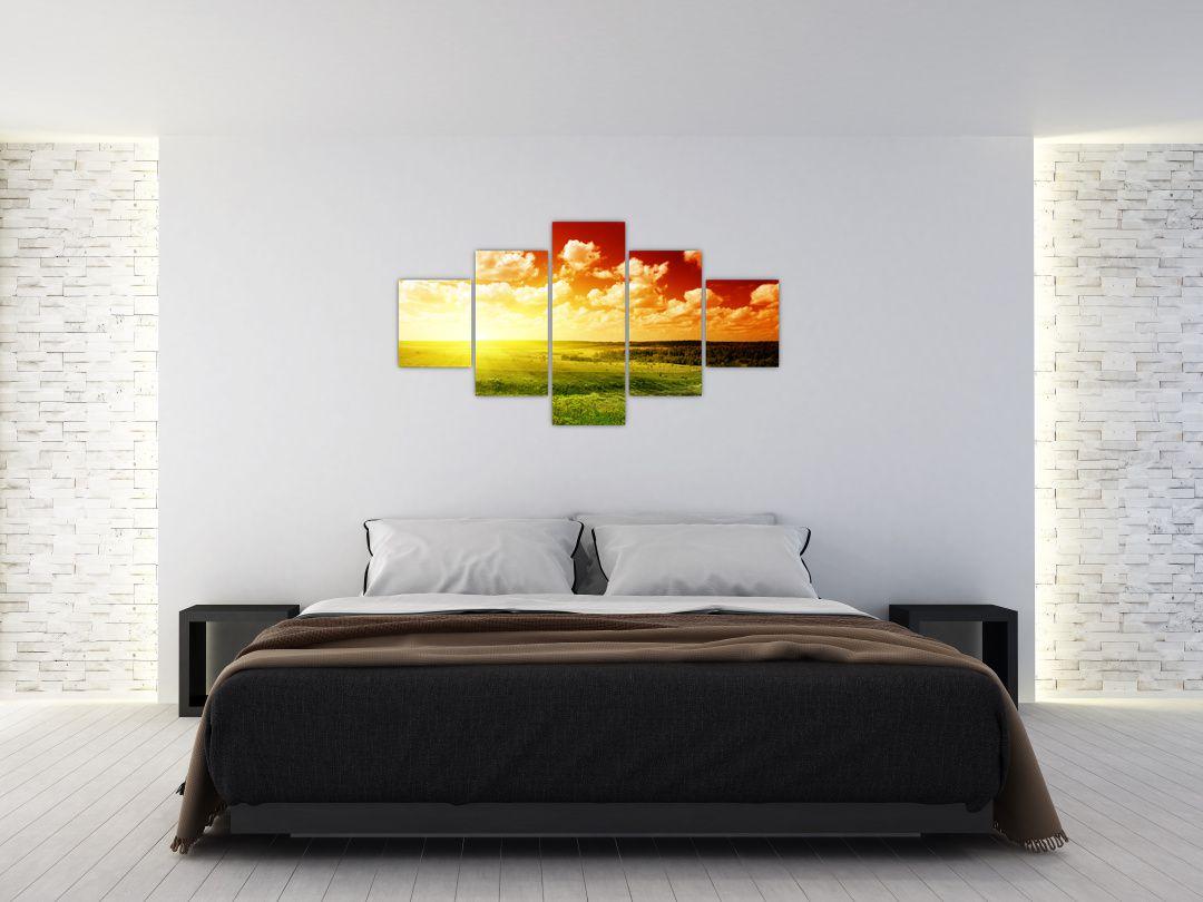 Obraz louky se zářícím sluncem (V021174V12570)