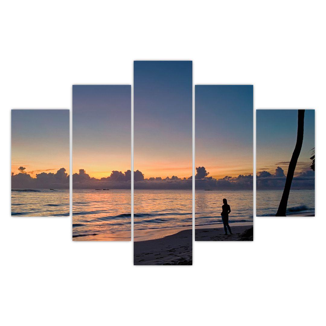 Kép egy nőről a tengerparton (V020204V150105)